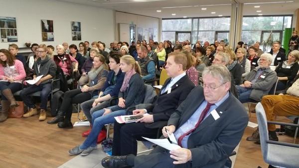 Zahlreiche Teilnehmer aus vier Bundesländern nutzen die Möglichkeiten von Information und Austausch auf auf der 7. Regionalkonferenz Rechtsextremismus