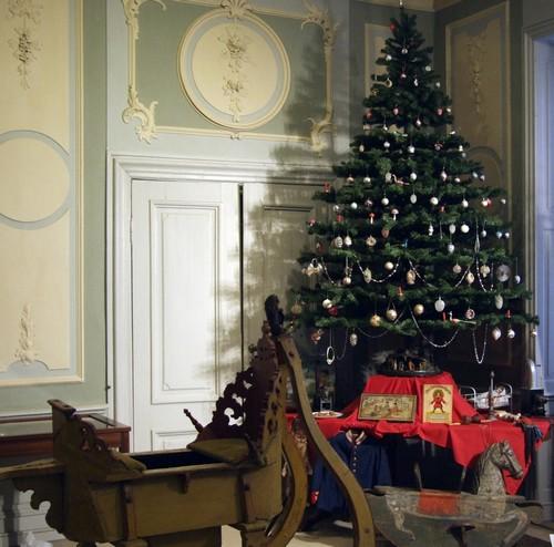 sonderausstellung weihnachtsschmuck und modelleisenbahn. Black Bedroom Furniture Sets. Home Design Ideas